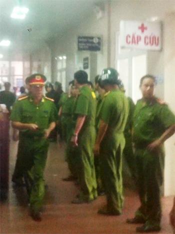 CATP Ninh Bình vây quanh BV đa khoa tỉnh trước việc người nhà bệnh nhân Huấn đòi chuyển viện