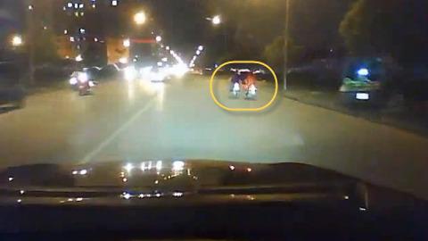 Clip ôtô truy đuổi cướp như phim hành động ở Hà Nội