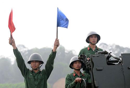 Khẩu đội pháo 57mm sẵn sàng khai hoả