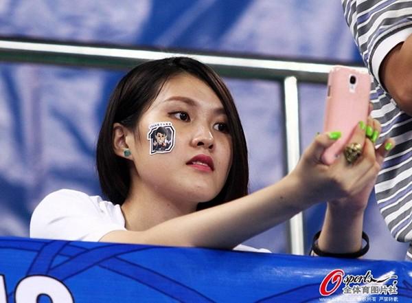 Dàn hoạt náo viên nóng bỏng của tuyển bóng rổ Trung Quốc 16