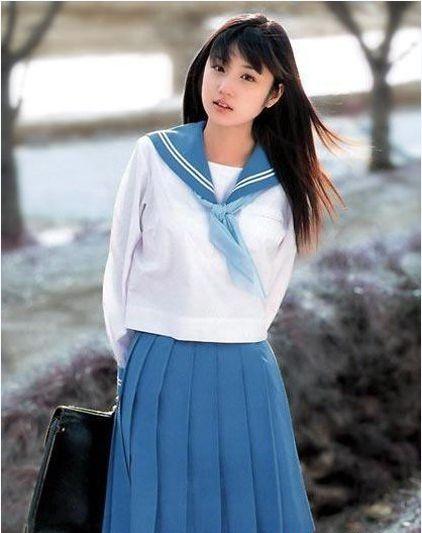 Cư dân mạng bức xúc vì nữ sinh Việt  mặc phản cảm làm xấu đồng phục nữ sinh Nhật