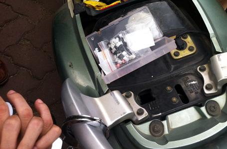 Số ma túy được giấu trong cốp xe.