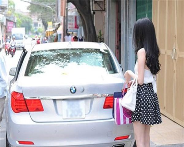 Bộ sưu tập xe cũ - xe mới của sao Việt (P1) 19