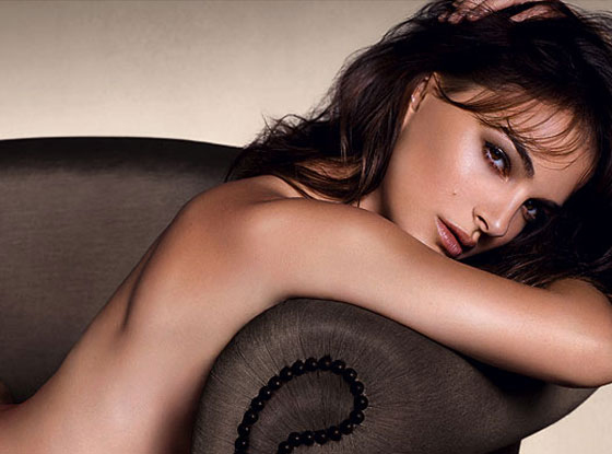 Mỹ nhân thế giới nude táo bạo trong ảnh quảng cáo 4