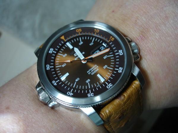 Chọn đồng hồ automatic tốt với giá phải chăng 2