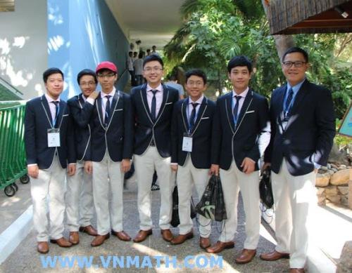 Việt Nam giành 3 HCV Olympic Toán học quốc tế 2013