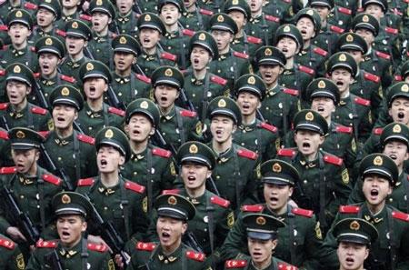 Chuyên gia kinh tế, cựu cố vấn cao cấp của chính phủ Mỹ cho rằng Mỹ sẽ không thể thắng Trung Quốc bằng vũ khí thông thường trong một cuộc chiến tranh quy ước.