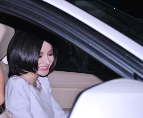 Cận cảnh xế tiền tỷ của Angela Phương Trinh