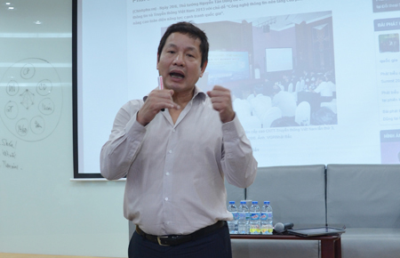 Về chiến lược toàn cầu hóa, theo Chủ tịch FPT, xu hướng này là tất yếu bởi thị trường Việt Nam đã trở nên nhỏ bé so với 15.000 CBNV của tập đoàn.