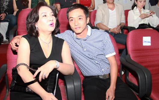 Bà Nguyễn Thị Như Loan và con trai Nguyễn Quốc Cường thời còn