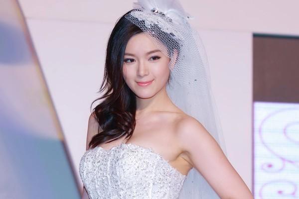 Choáng váng vì Hoa hậu Trung Quốc bỗng dưng... phát phì! 1