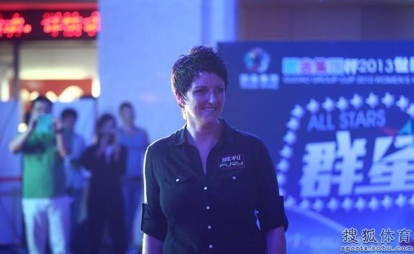 Nữ hoàng 9 bóng rạng ngời tại giải vô địch billiards thế giới 10
