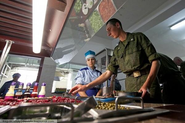 Tiết lộ bữa ăn trưa của binh sĩ Nga