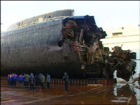 Tàu ngầm nguyên tử Kursk sau khi được trục vớt