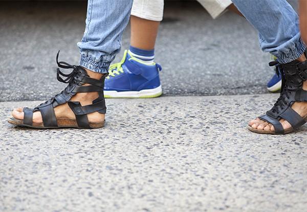 Đổi giày theo... thời tiết 2