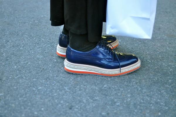 Đổi giày theo... thời tiết 12