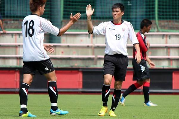 Fanpage Sapporo ca ngợi Công Vinh bằng Tiếng Việt sau 2 bàn thắng 1