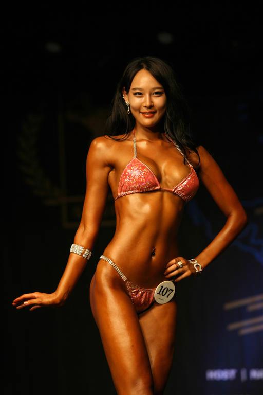 """Lạ mắt cuộc thi hoa hậu """"cơ bắp"""" tại Hàn Quốc 19"""