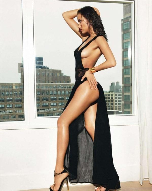 Bỏng mắt với loạt ảnh chèn ép ngực đầy khêu gợi của Irina Shayk 13
