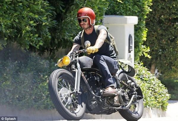 """Beckham """"chất lừ"""" trên xe phân khối lớn 1"""