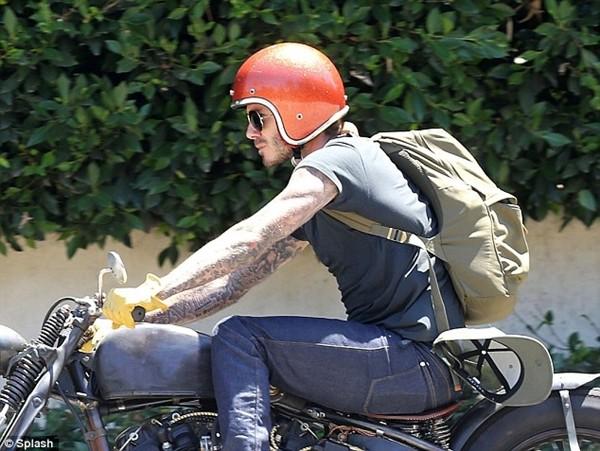 """Beckham """"chất lừ"""" trên xe phân khối lớn 2"""