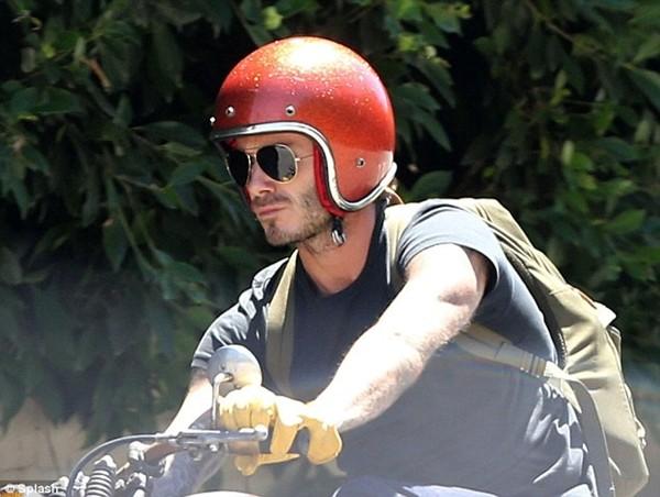 """Beckham """"chất lừ"""" trên xe phân khối lớn 3"""