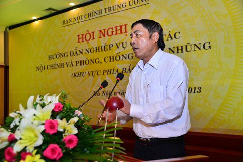 Trưởng Ban Nội chính trung ương Nguyễn Bá Thanh chủ trì hội nghị.
