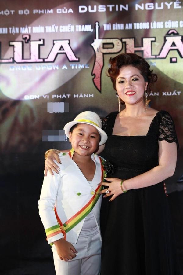 Gặp bé 9 tuổi con nuôi Hoài Linh gây sốt trong 'Lửa Phật' 2