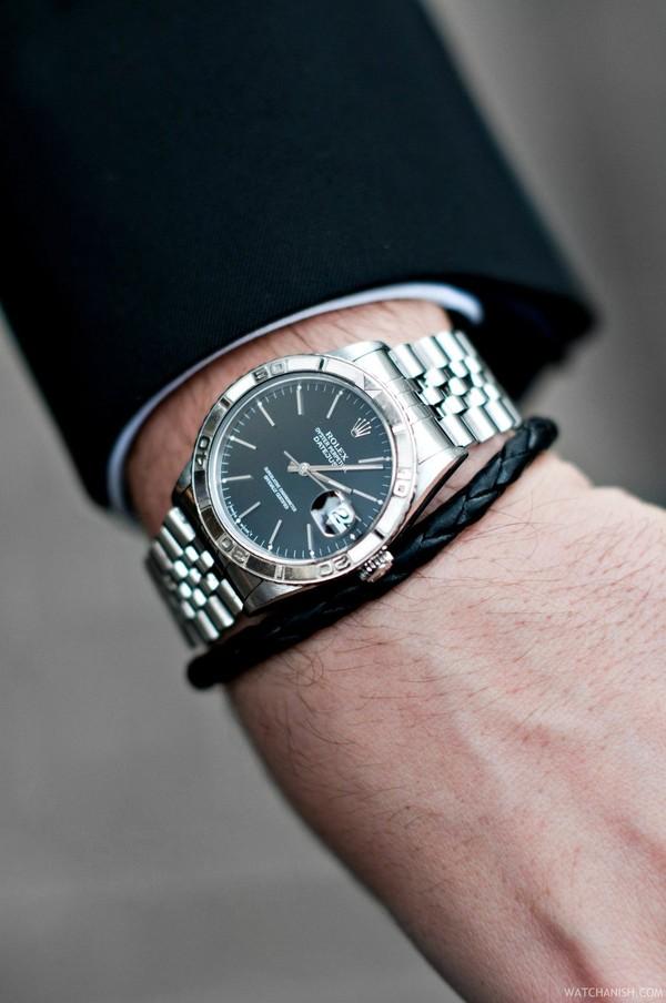 Chọn mua chiếc đồng hồ đẹp và hợp mọi phong cách 1