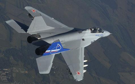 MiG-35 được đích thân Tư lệnh Không quân nga Zelin so với F-35