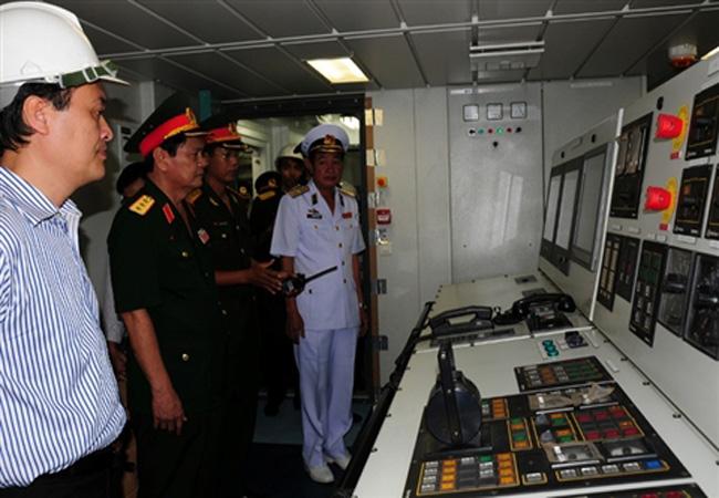 TQ đánh giá tàu quân sự