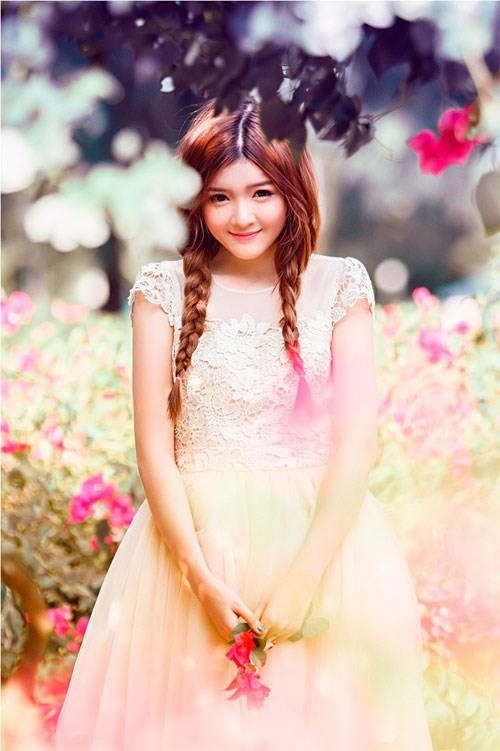 Bạn gái Bùi Anh Tuấn: 'Không tìm hiểu việc người yêu đập đá'