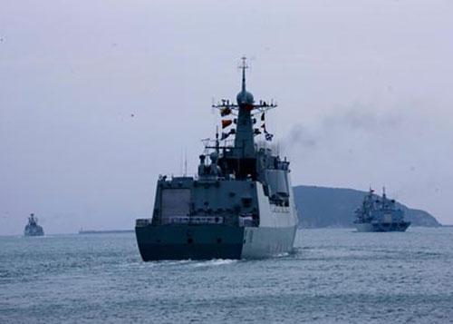 Trung Quốc bí mật xây căn cứ tàu ngầm?