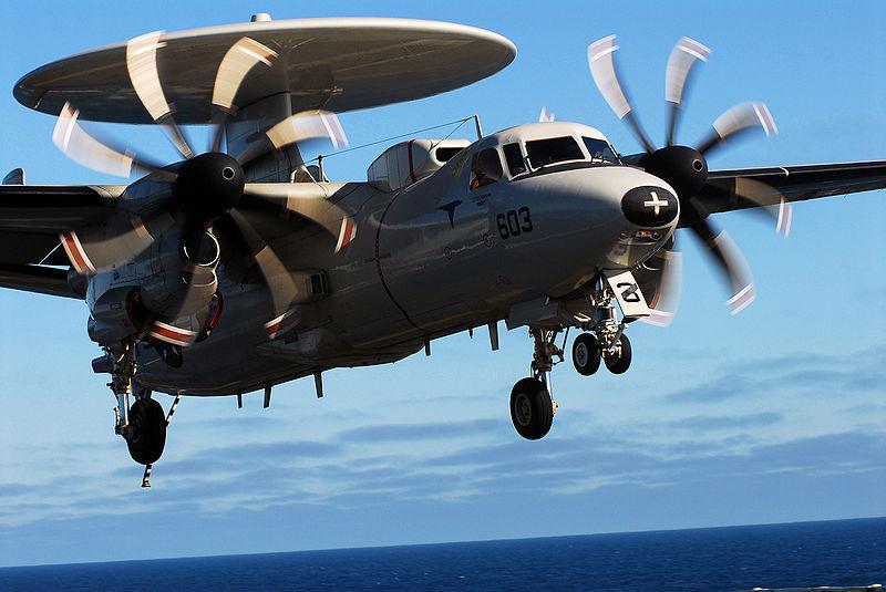Máy bay E-2C Hawkeye của Hải quân Mỹ