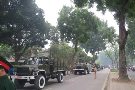 Đoàn xe hàng trăm chiếc của Bộ Tổng tham mưu sẽ thực hiện nghi lễ quân đội đưa linh cữu Đại tướng Võ Nguyên Giáp vào ngày 13.10 tới.