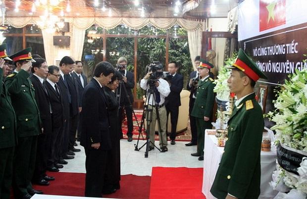 Đại sứ quán Việt Nam ở Campuchia tổ chức lễ tang Đại tướng Võ Nguyên Giáp.