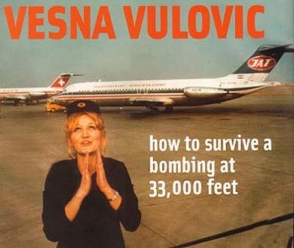 Những vụ thoát chết khó tin từ các tai nạn máy bay thảm khốc 6