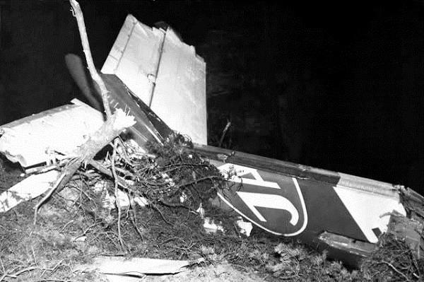 Những vụ thoát chết khó tin từ các tai nạn máy bay thảm khốc 7