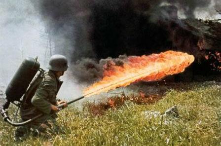 Lính Mỹ từng sử dụng súng phun lửa tại chiến trường Việt Nam