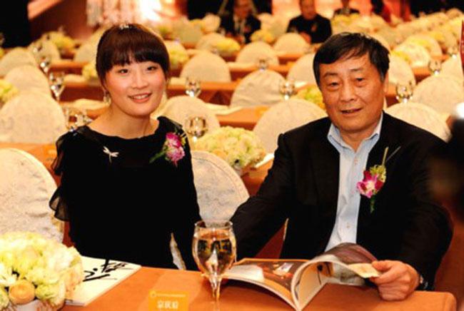 Ông Tông Khánh Hậu và con gái