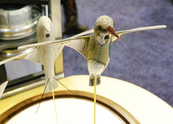 Vậy là một chương trình chế tạo ra những UAV được mô phỏng theo hình dáng của những chú chim đã được đề ra với tiêu chí là phải lấy nguyên mẫu của những chú chim nhỏ nhất có thể...