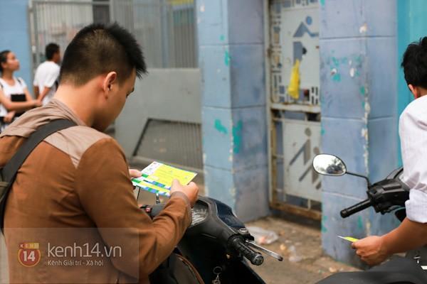 """""""Phe vé"""" xuất hiện trong ngày đầu bán vé xem U19 Việt Nam thi đấu 14"""