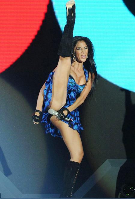 Ngoài sự cố trên sàn diễn này thì Nicole rất hay gặp sự cố lộ quần chip ngoài đời