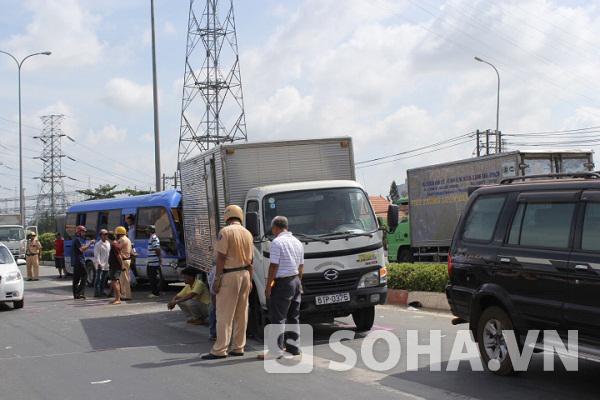 Hiện trường vụ tai nạn giao thông liên hoàn giữa 6 xe ô tô trên quốc lộ 1A