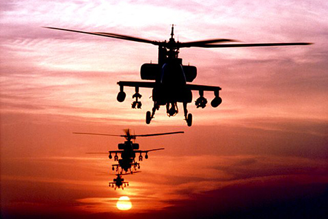 Biên đội bay trực thăng chiến đấu Apache của Mỹ