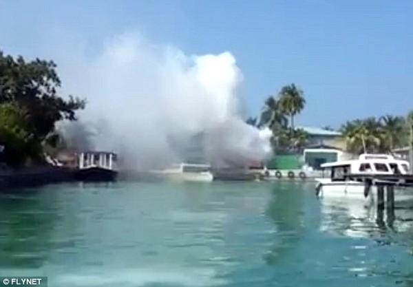 Nơi nghỉ của gia đình Victoria Beckham vừa bị nổ lớn 2