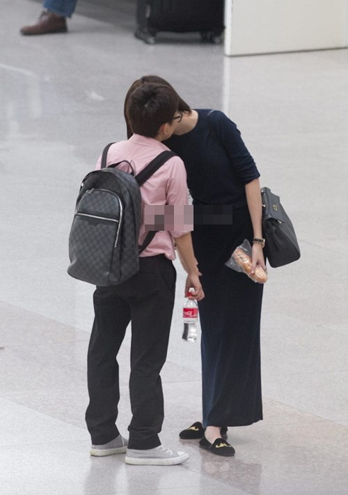 Những hình ảnh rộ nghi án tình yêu đồng tính của Phương Uyên và Thiều Bảo Trang