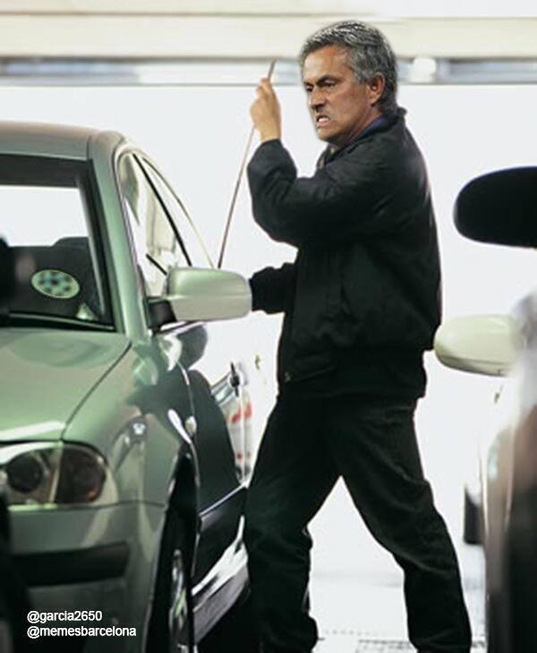 Mourinho tìm trọng tài sau trận đấu đêm qua
