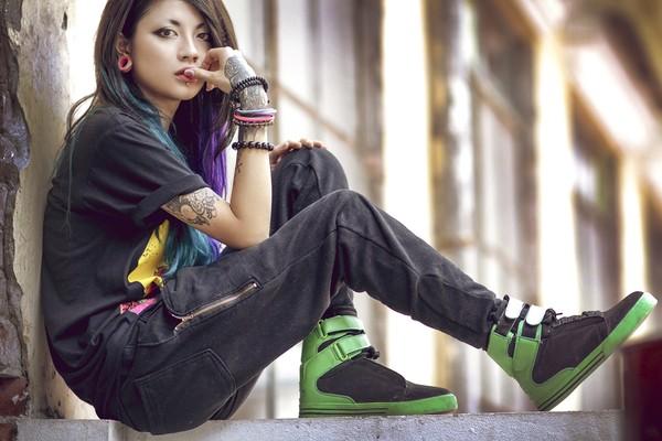 Lee Zin, nữ thợ xăm xinh đẹp và dị đang là cái tên được yêu thích trên mạng xã hội