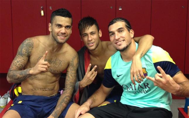 Thủ môn Pinto chào mừng Neymar có trận ra mắt La Liga